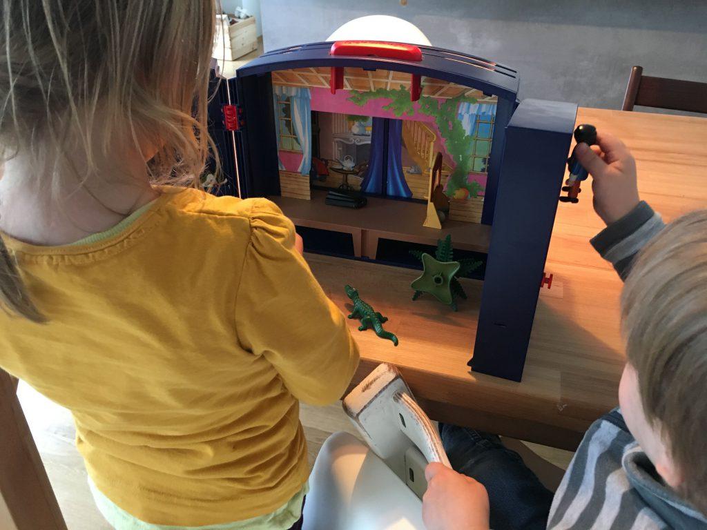 Schlafraubtiere_Lieblingsspielzeug_Spielzeug_Playmobil_Theater4