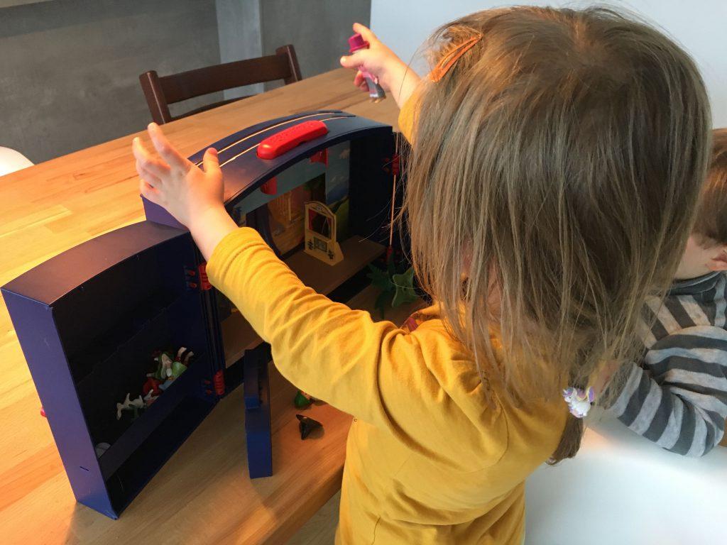 Schlafraubtiere_Lieblingsspielzeug_Spielzeug_Playmobil_Theater5