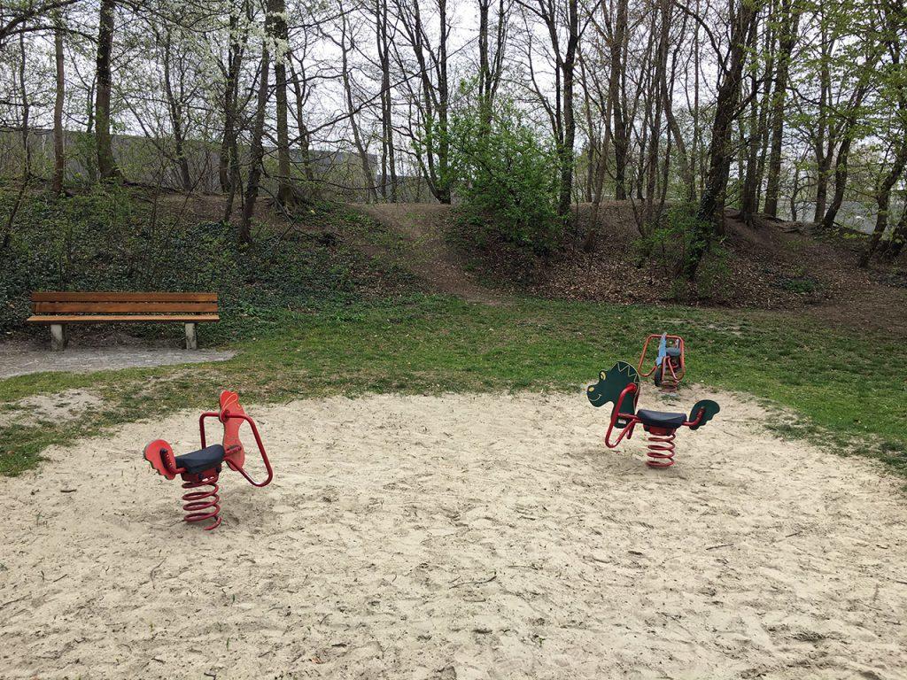 Schlafraubtiere_Spielplatz_Allach_Untermenzing_Finsterwalderstraße3