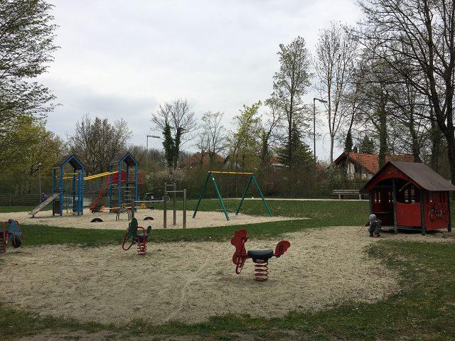 Schlafraubtiere_Spielplatz_Allach_Untermenzing_Finsterwalderstraße4